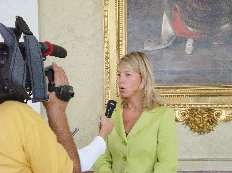Federica Seganti (Assessore regionale Sicurezza) al termine della conferenza stampa per l'illustrazione delle domande di contributi degli Enti locali a fronte di presentazione di progetti per la sicurezza. (Trieste 10/09/09)