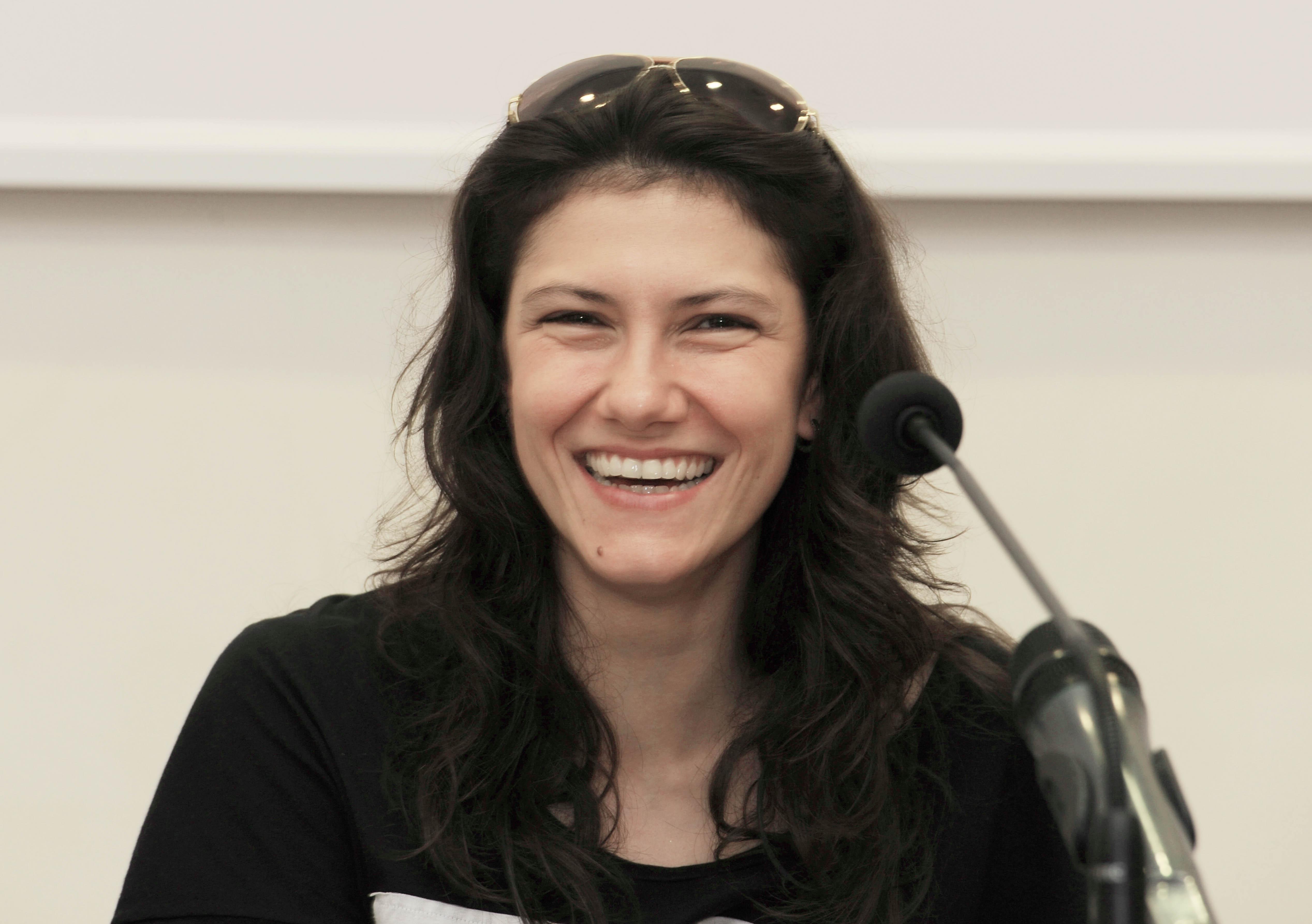 La cantante monfalconese Elisa intervenuta alla conferenza stampa per promuovere l'istituto dell'affido familiare. (Trieste, 17/07/2010)