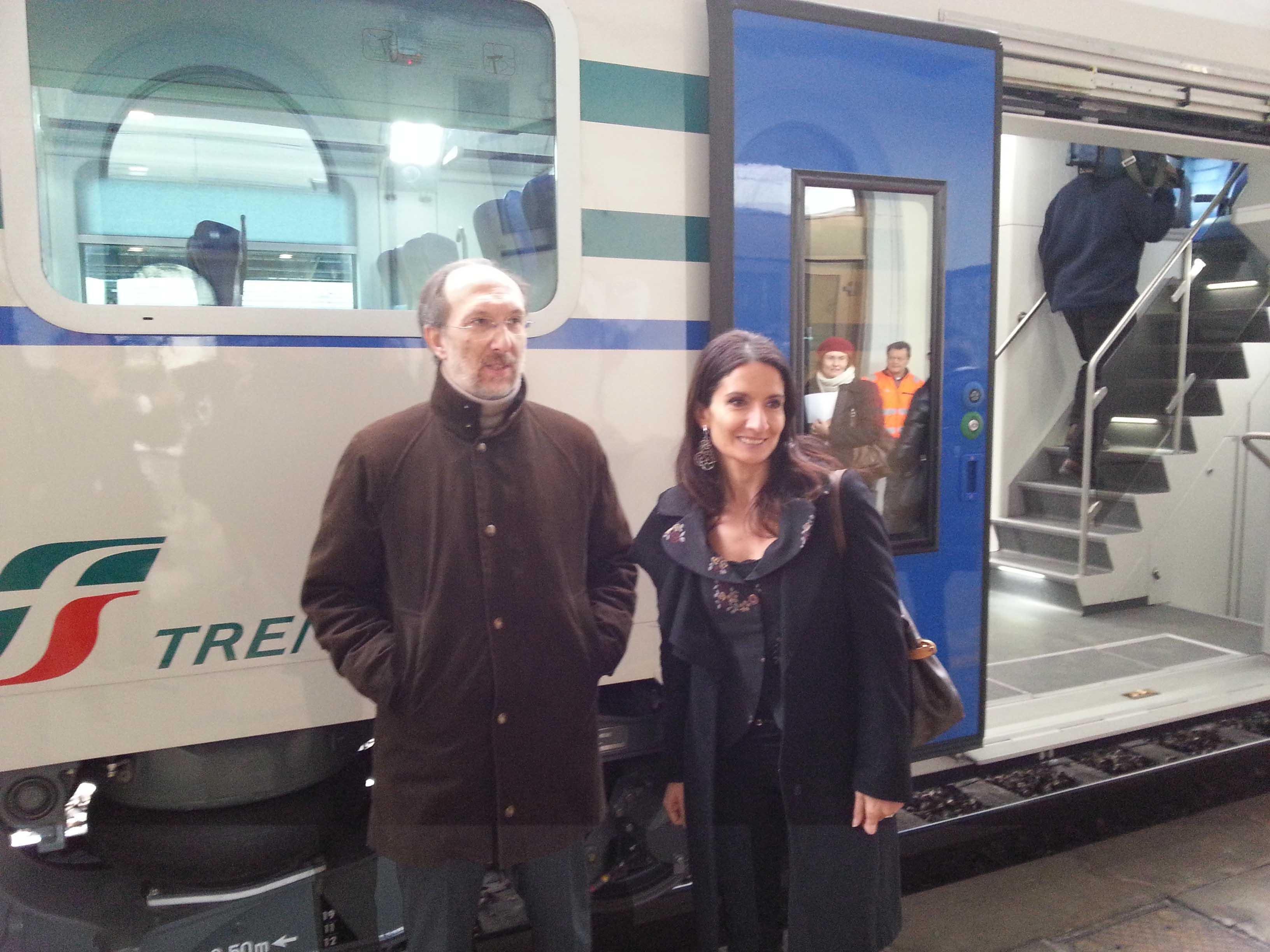 Riccardo Riccardi (Assessore regionale Infrastrutture e Mobilità) e Maria Giaconia (Direttore Trenitalia FVG) alla presentazione dei nuovi treni Vivalto per il trasporto pubblico locale del Friuli Venezia Giulia. (Udine 21/12/12)