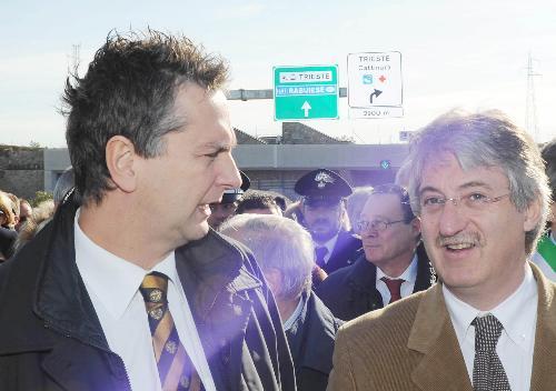Edouard Ballaman (Presidente Consiglio regionale) e Renzo Tondo (Presidente Friuli Venezia Giulia) nel corso della cerimonia di inaugurazione dell'ultimo lotto della Grande Viabilità Triestina, Padriciano-Cattinara, e del nuovo raccordo autostradale Lacotisce-Rabuiese. (Trieste 19/11/08)