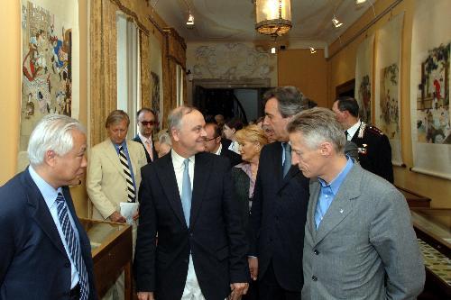 """Il Presidente Riccardo Illy all'inaugurazione della mostra """"La Cina al Castello di Duino"""" (Duino, 12/05/06)"""