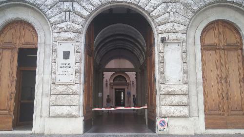Ingresso del Palazzo della Regione Friuli Venezia Giulia in via Carducci 6, alla consegna ufficiale dei lavori di manutenzione straordinaria - Trieste 27/07/2016