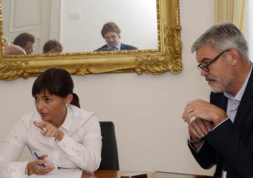 Debora Serracchiani (Presidente Regione Friuli Venezia Giulia) e Paolo Panontin (Assessore regionale Autonomie locali e Coordinamento Riforme) al Tavolo sull'Unione Territoriale Intercomunale (UTI) Giuliano - Trieste 29/09/2016