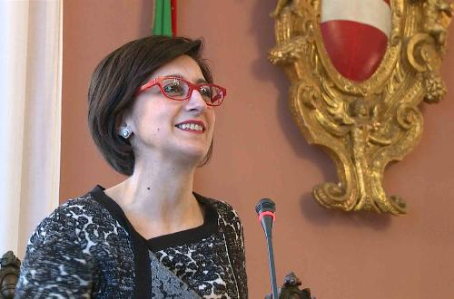 """Sara Vito (Assessore regionale Ambiente ed Energia) alla sottoscrizione della dichiarazione d'intenti per il """"contratto di fiume"""" del Natisone, nella Sala consiliare del Municipio - Cividale del Friuli 06/02/2017"""