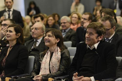 Comunicazione: Serracchiani, Regione Fvg attiva canali Twitter e FB