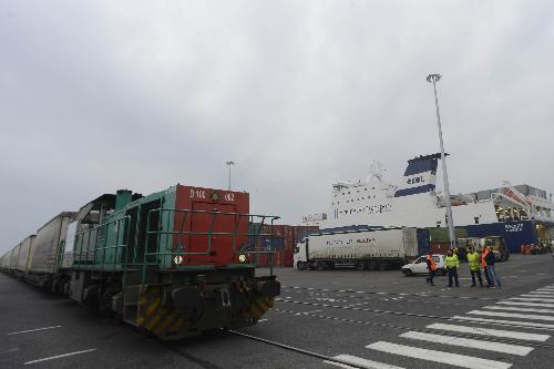 Treno del nuovo esercizio intermodale dal Porto di Trieste sulla direttrice Kiel-Göteborg, al Terminal EMT (Europa Multipurpose Terminals) - Trieste 22/02/2017