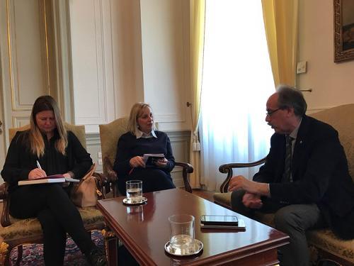 Gianni Torrenti (Assessore regionale Cultura, Sport e Solidarietà) a colloquio con Ingrid Sergas (Console generale di Slovenia a Trieste) - Trieste 13/03/2017