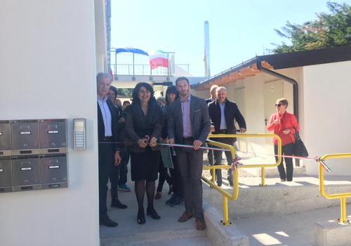 Mariagrazia Santoro (Assessore regionale Infrastrutture e Territorio) alla consegna di sei alloggi riqualificati nel fabbricato ATER di via Monte Santo - Manzano 28/03/2017
