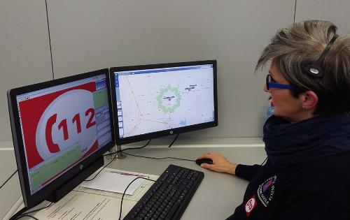 Postazione del Numero Unico per le Emergenze (NUE) 112, nella Centrale operativa della Protezione civile del FVG a Palmanova