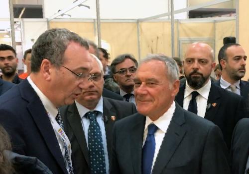 Sergio Bolzonello (Vicepresidente Regione FVG e assessore Attività produttive, Turismo e Cooperazione) e Pietro Grasso (Presidente Senato) al 30° Salone del Libro - Torino 18/05/2017