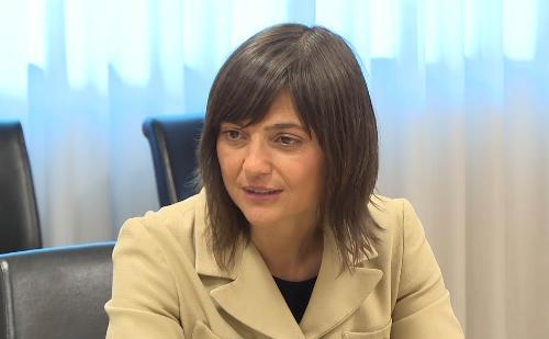 Debora Serracchiani (Presidente Regione Friuli Venezia Giulia) alla conferenza stampa di presentazione del Meeting regionale delle Scuole del FVG - Udine 24/05/2017