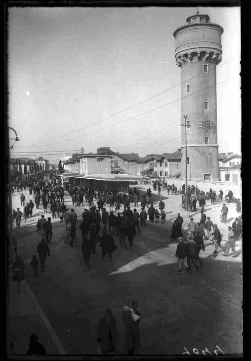 """Dal documentario """"DAL MARE, ALLE NAVI, ALLE CASE. Panzano 'città giardino' del cantiere di Monfalcone"""" (Foto del Consorzio Culturale del Monfalconese / CCM)"""