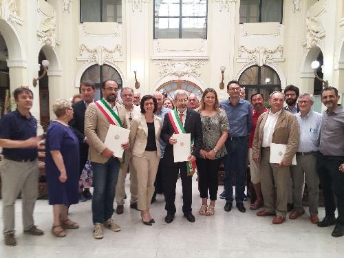 Sara Vito (Assessore regionale Ambiente ed Energia) alla firma dell'accordo per la valorizzazione del Roiello di Pradamano - Udine 26/06/2017