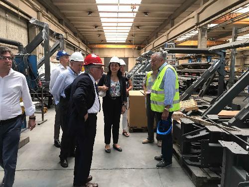 Mariagrazia Santoro (Assessore regionale Infrastrutture e Territorio) durante la visita alla Tecnocom - Udine 13/07/2017