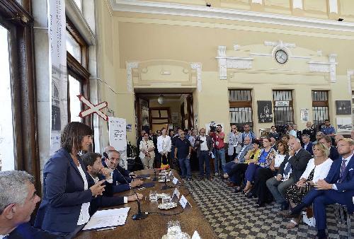 Debora Serracchiani (Presidente Regione Friuli Venezia Giulia) al Museo Ferroviario - Trieste 18/07/2017