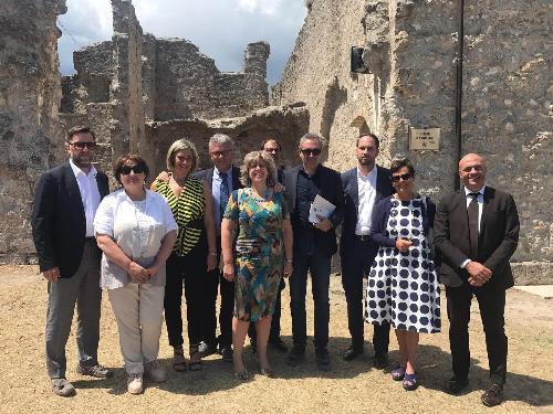 Cristiano Shaurli (Assessore regionale Risorse agricole e forestali) con alcuni membri della commissione nazionale Politiche agricole nella Fortezza Borbonica di Civitella del Tronto (TE) - Luglio 2017