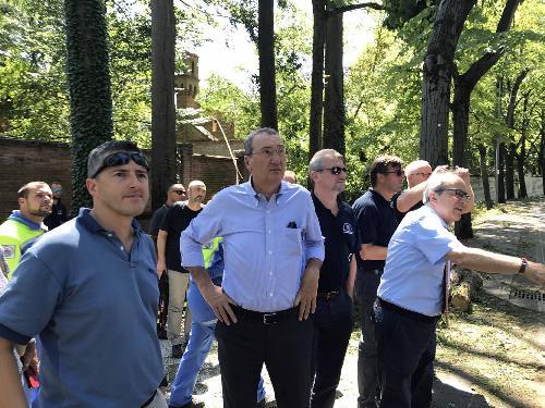 Sergio Bolzonello (Vicepresidente Regione FVG e assessore Attività produttive, Turismo e Cooperazione) durante il sopralluogo nei Comuni colpiti dal maltempo - San Vito al Tagliamento 11/08/2017