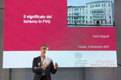 """Carlo Bagnoli (Docente Università Ca' Foscari Venezia) al """"Forum Turismo in FVG"""" - Trieste 05/09/2017 (Foto Fabrice Gallina)"""