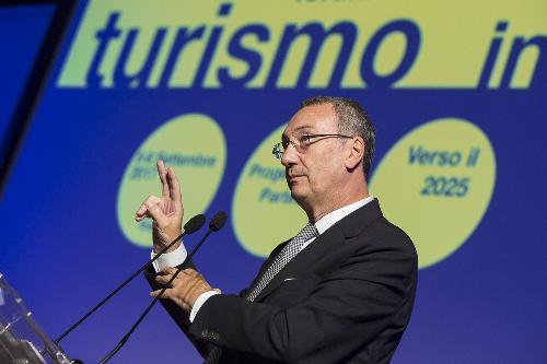 """Sergio Bolzonello (Vicepresidente Regione FVG e assessore Attività produttive, Turismo e Cooperazione) al Forum """"Turismo in FVG - Progettazione partecipata verso il 2025"""" - Trieste 06/09/2017"""