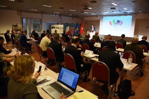 Mariagrazia Santoro (Assessore regionale Infrastrutture e Territorio) al seminario di aggiornamento per la gestione delle aree di addestramento sostenibili Usa-Italia - Udine 12/09/2017 (Foto Paolo Bovo, US Army Italy)