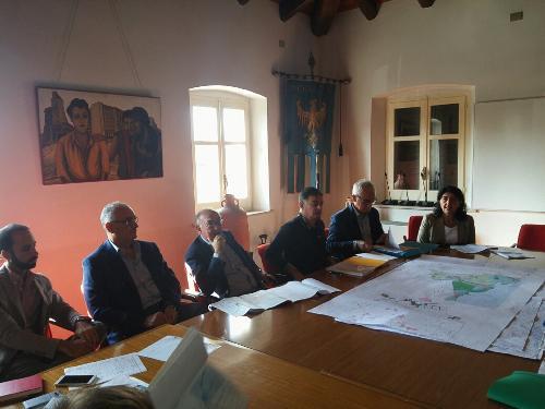 Mariagrazia Santoro (Assessore regionale Infrastrutture e Territorio) all'incontro con i soggetti interessati al progetto di variante per la realizzazione del bypass viario esterno all'abitato di Aquileia - Aquileia 13/09/2017