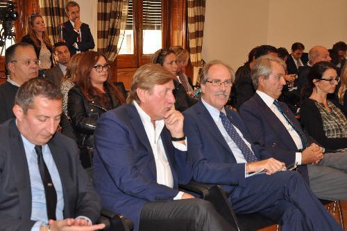 Giorgio Brandolin (Deputato e Presidente CONI FVG) e Gianni Torrenti (Assessore regionale Cultura, Sport e Solidarietà) alla presentazione della quarantanovesima edizione della Barcolana - Roma 21/09/2017