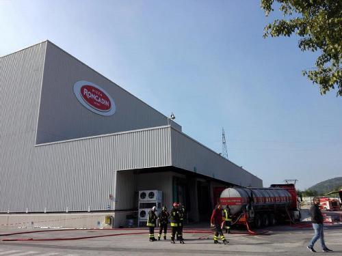 Lo stabilimento Roncadin interessato dall'incendio - Meduno 22/09/2017 (Foto Ufficio stampa Roncadin)