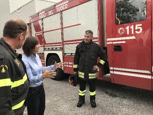 Debora Serracchiani (Presidente Regione Friuli Venezia Giulia) durante il sopralluogo presso lo stabilimento Roncadin interessato dall'incendio - Meduno 22/09/2017