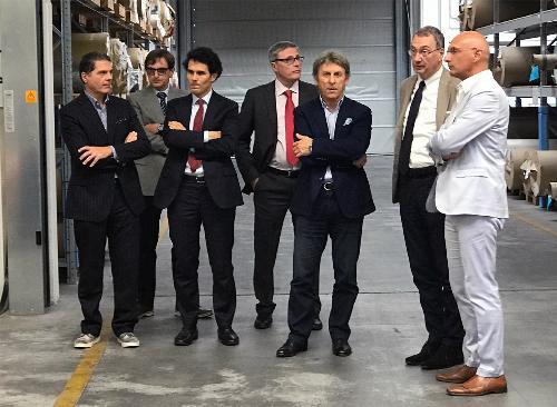 Sergio Bolzonello (Vicepresidente Regione FVG e assessore Attività produttive, Turismo e Cooperazione) durante la visita alla Lamitex - Spilimbergo 25/09/2017
