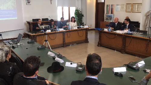 Debora Serracchiani (Presidente Regione Friuli Venezia Giulia) interviene alla presentazione del piano per la riqualificazione della SS52bis e del passo di Monte Croce Carnico - Tolmezzo 28/09/2017