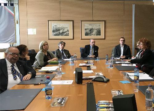 Sergio Bolzonello (Vicepresidente Regione FVG e assessore Attività produttive, Turismo e Cooperazione) nella sede di Unindustria durante il confronto sul rischio di chiusura del tribunale fallimentare - Pordenone 10/10/2017