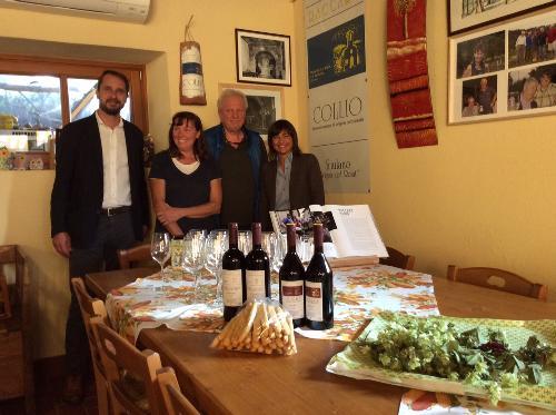 Debora Serracchiani (Presidente Regione Friuli Venezia Giulia) e Cristiano Shaurli (Assessore regionale Risorse agricole e forestali) visitano l'azienda agricola Raccaro - Cormons 12/10/2017