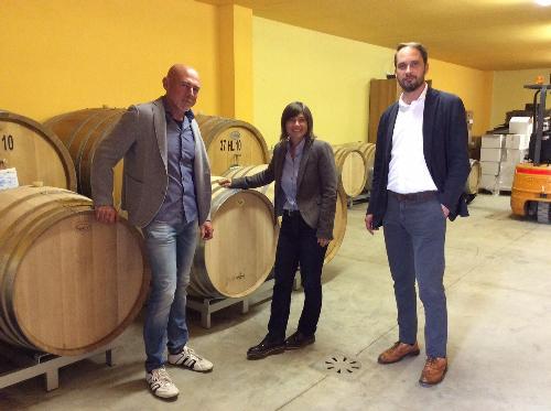 Debora Serracchiani (Presidente Regione Friuli Venezia Giulia) e Cristiano Shaurli (Assessore regionale Risorse agricole e forestali) visitano l'azienda agricola Tiare - Dolegna del Collio 12/10/2017