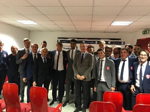 Sergio Bolzonello (Vicepresidente Regione FVG e assessore Attività produttive, Turismo e Cooperazione) all'incontro con una delegazione della Triestina Calcio - Trieste 18/10/2017