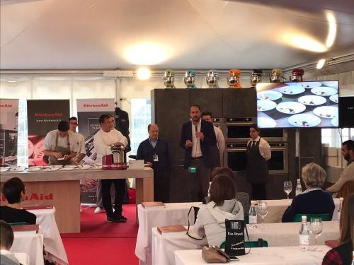Cristiano Shaurli (Assessore regionale Risorse agricole e forestali) interviene allo showcooking con lo chef stellato Emanuele Scarello a Ein Prosit - Malborghetto 22/10/2017