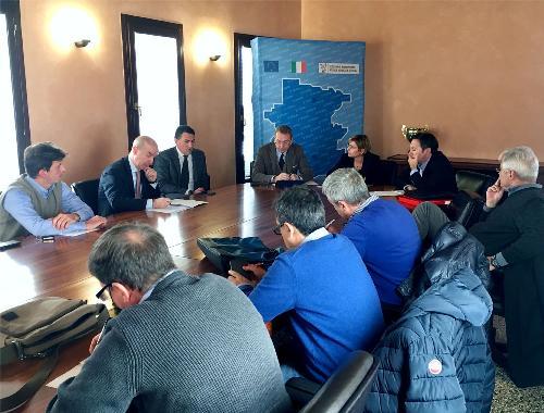 Sergio Bolzonello (Vicepresidente Regione FVG e assessore Attività produttive, Turismo e Cooperazione) al tavolo di confronto su Idealscala - Pordenone 31/10/2017