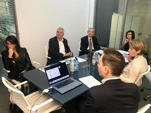 Sara Vito (Assessore regionale Ambiente ed Energia) con i vertici dell'azienda Bluenergy - Udine 10/11/2017