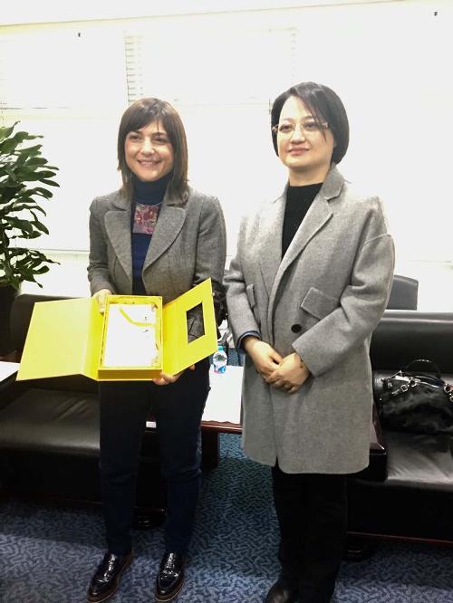 Debora Serracchiani (Presidente Regione Friuli Venezia Giulia) e Zhong Xiaomin (Vicedirettrice della Municipalità) - Shanghai 06/12/2017