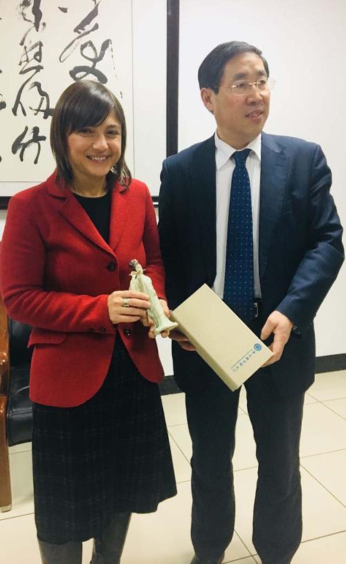 Debora Serracchiani (Presidente Regione Friuli Venezia Giulia) e Wu Yueliang (Vicepresidente UCAS) - Pechino 06/12/2017