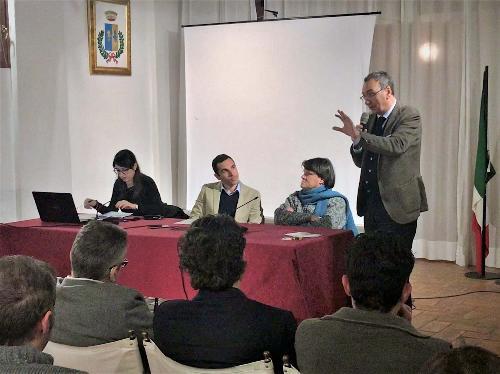 Sergio Bolzonello (Vicepresidente Regione FVG e assessore Attività produttive, Turismo e Cooperazione) al convegno sul Distretto pordenonese del Mobile - Villa Varda di Brugnera 06/12/2017