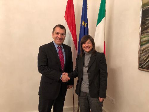 Debora Serracchiani (Presidente Regione Friuli Venezia Giulia) incontra  Antal Nikoletti (Vice sottosegretario ungherese Economia) - Trieste 11/12/2017