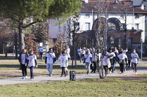 """Partenza della camminata """"CamminAndos insieme"""" - Udine 17/12/2017 (Foto Bressanutti)"""