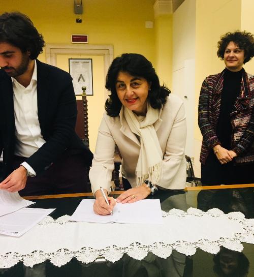 Mariagrazia Santoro (Assessore regionale Infrastrutture e Territorio) firma il protocollo d'intesa per la promozione del sistema turistico-culturale udinese - Udine 18/12/2017