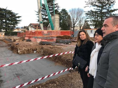 Mariagrazia Santoro (Assessore regionale Infrastrutture e Territorio) con Elena Osgnach e Roberto Trentin (Assessore comunale e sindaco Premariacco) - Premariacco 22/12/2017
