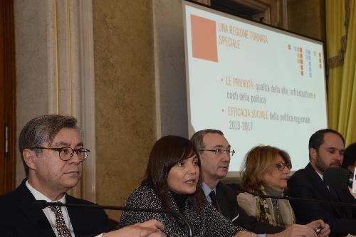 Debora Serracchiani (Presidente Regione Friuli Venezia Giulia) nel corso della conferenza stampa di fine anno - Trieste 22/12/2017