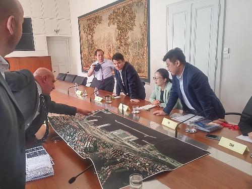 La delegazione cinese della città di Zhuzhou nel corso dell'incontro con la Regione Fvg, il Comune di Trieste e l'Autorità di sistema portuale del Mare Adriatico Orientale