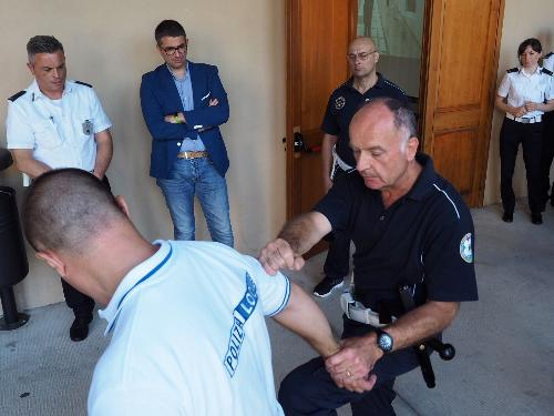 Pierpaolo Roberti  (Assessore regionale Autonomie locali, Sicurezza e Politiche comunitarie) assiste al corso di addestramento sulle tecniche e gli strumenti operativi per gli agenti della Polizia locale - Aiello del Friuli 05/06/2018