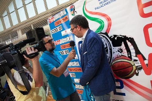 Roberti intervistato durante Italia-Spagna (foto Albertacci)