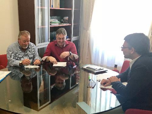 L'assessore regionale alle Autonomie locali, Sicurezza e Politiche comunitarie, Pierpaolo Roberti, il presidente della Slovenska kulturno-gospodarska zveza (Skgz), Rudi Pavšic, e il presidente della Svet slovenskih organizacij (Sso), Walter Bandelj.