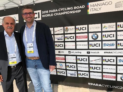 Il presidente dell'Unione ciclista internazionale Renato Di Rocco con l'assessore regionale Pierpaolo Roberti alla cerimonia di inaugurazione dei mondiali di paraciclismo a Maniago
